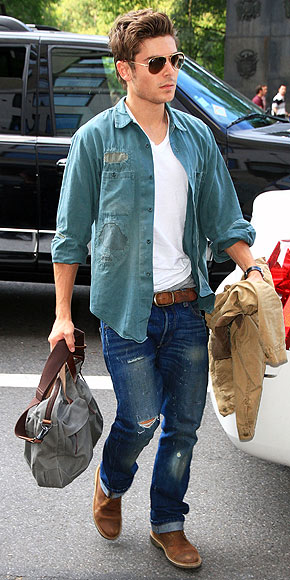 Stars 39 Airport Style Zac Efron