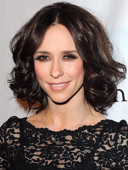 JENNIFER'S BREAKUP BOB photo | Jennifer Love Hewitt