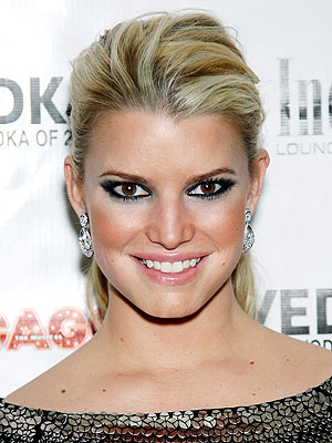 jessica simpson 300x400 Jessica Simpson: I Dress to Inspire My Fans