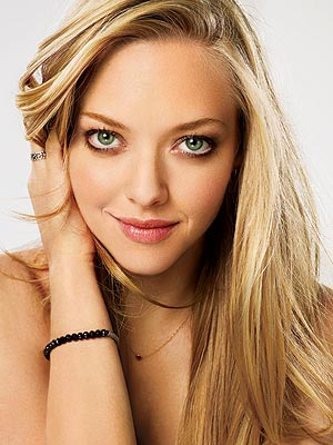 Amanda Seyfried Shares Her Fashion Secrets and Beauty Must-Haves