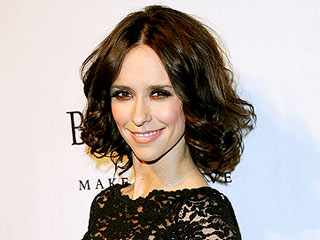 Jennifer Love Hewitt's Buti Yoga Workout: We Tried It!