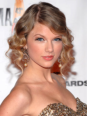 taylor swift fashion and style. EXCLUSIVE Taylor Swift#39;s