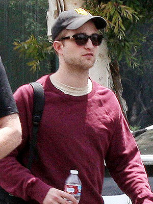 robert pattinson new hairstyle. Has Robert Pattinson Buzzed