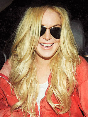 lindsay lohan hair blonde. Lindsay Lohan Goes Back to