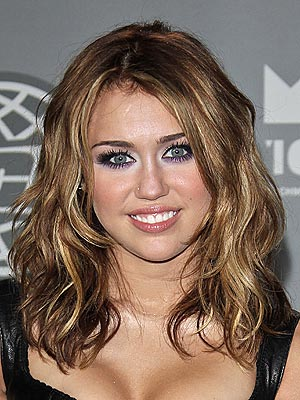Miley Cyrus's Dramatic New Do: Love It Or Hate It? – Style News