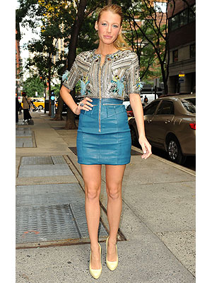 Blake Lively Outfits on Blake Lively   S Newest Accolade  A Christian Louboutin Named In Her