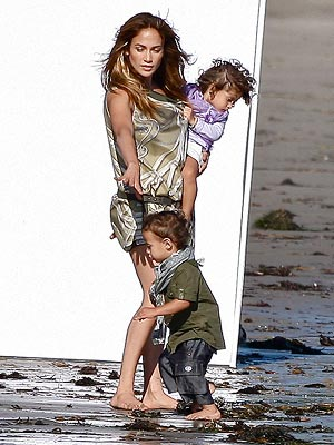 BUZZ: Are Jennifer Lopez and Her Twins the Newest Faces of Gucci?