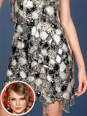 Taylor Swift  Figure on Sneak Peek  Taylor Swift   S Wax Figure     Style News   Stylewatch