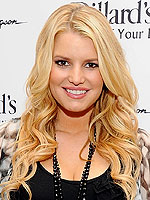 Jessica Simpson to Launch Sportswear Line