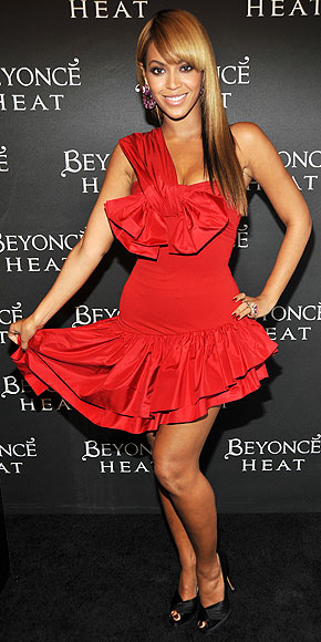 ON HER NEW BANGS photo | Beyonce Knowles