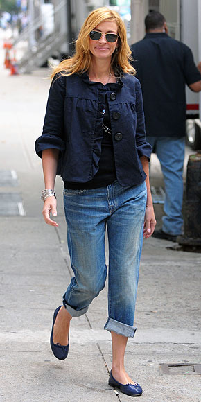 BOYFRIEND JEANS photo | Julia Roberts