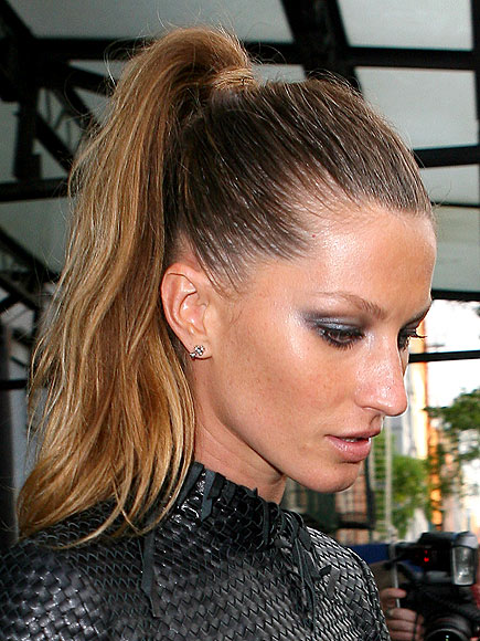 SLEEK PONYTAIL photo | Gisele Bundchen