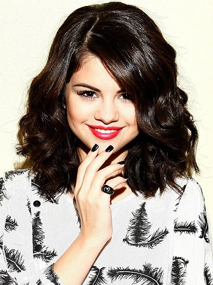 BLACK VINYL photo | Selena Gomez