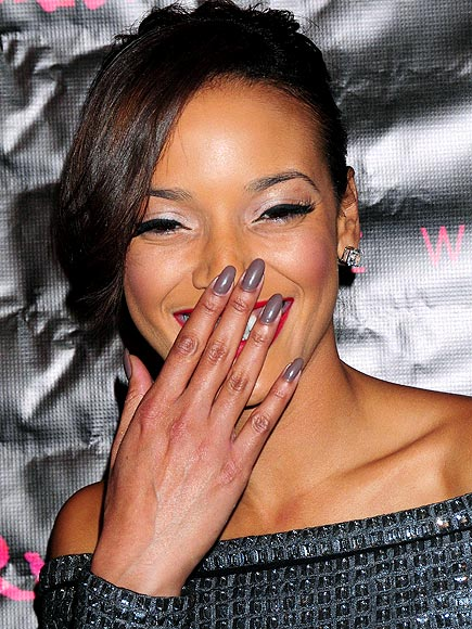 GRAY NAILS photo | Selita Ebanks
