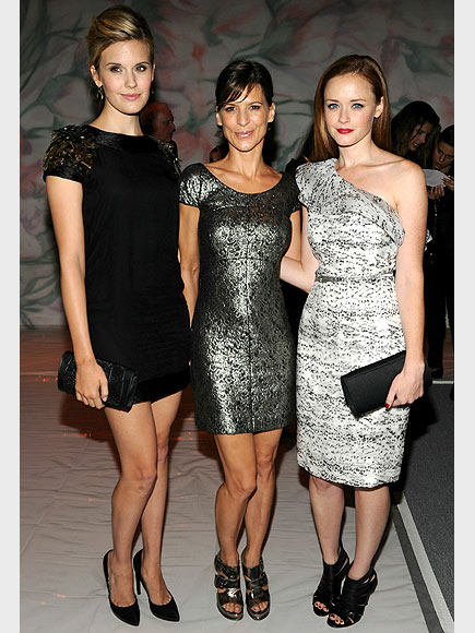 MAGGIE, PERRY & ALEXIS photo | Alexis Bledel