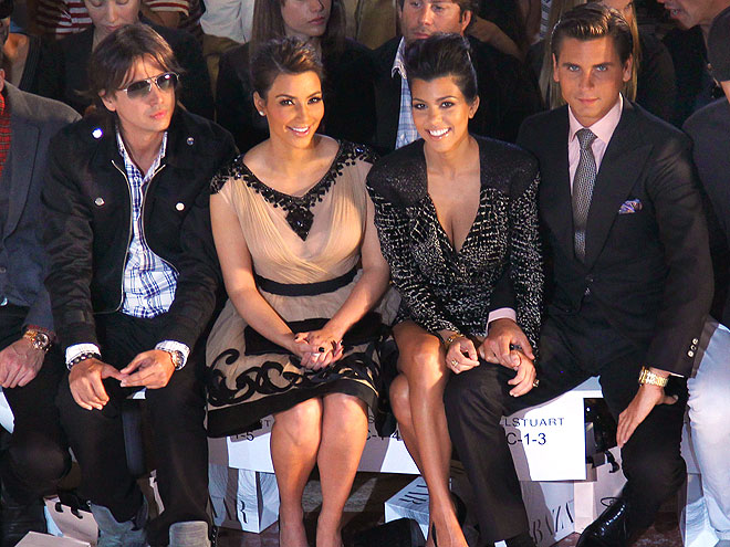 KIM, KOURTNEY & SCOTT photo | Kim Kardashian, Kourtney Kardashian, Scott Disick