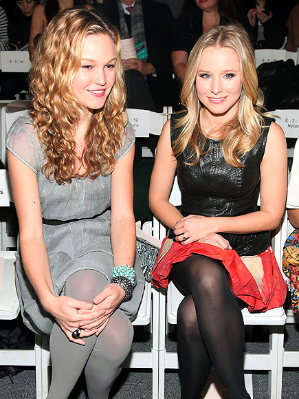 JULIA & KRISTEN photo | Julia Stiles, Kristen Bell