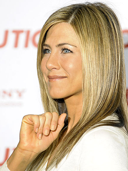BARELY THERE photo | Jennifer Aniston