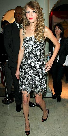 DOUBLE TAKE photo | Taylor Swift