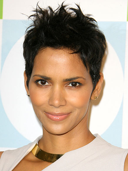 HALLE&#39;S AT-HOME SPA photo | Halle Berry