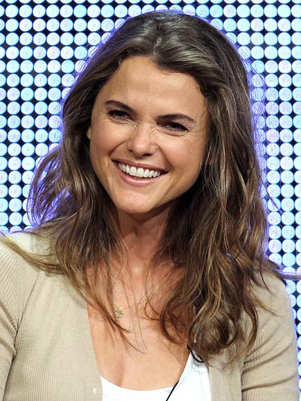STRAIGHTEN UP photo | Keri Russell