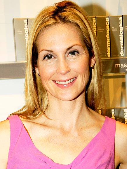 HARMONIZE YOUR HAIR COLOR photo | Kelly Rutherford
