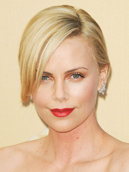 CHARLIZE'S ROSE LIPS photo | Charlize Theron