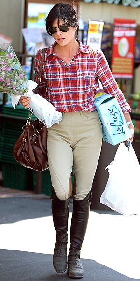 RIDING BOOTS photo | Selma Blair