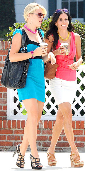 BUSY PHILIPPS & COURTENEY COX photo | Courteney Cox