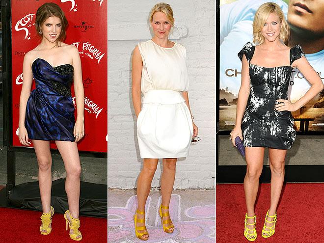 YELLOW SANDALS  photo | Anna Kendrick, Brittany Snow, Naomi Watts