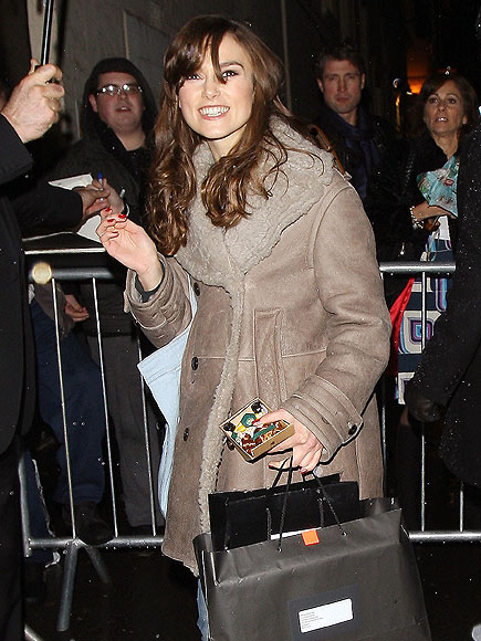 KEIRA KNIGHTLEY&#39;S COAT photo | Keira Knightley