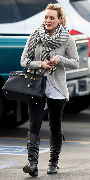 HILARY DUFF'S SCARF photo | Hilary Duff