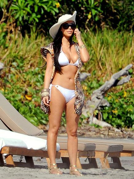 KIM KARDASHIAN'S BANGLES photo | Kim Kardashian