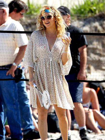 KATE HUDSON'S CAFTAN photo | Kate Hudson