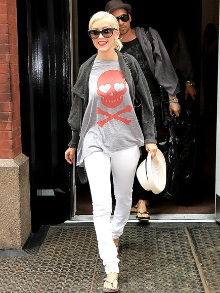 CHRISTINA AGUILERA'S T-SHIRT photo | Christina Aguilera