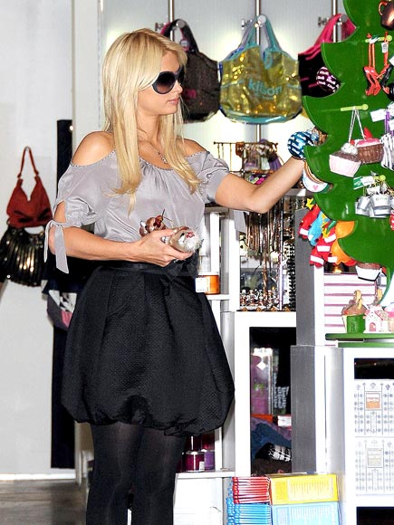 PARIS HILTON'S BLOUSE photo | Paris Hilton