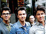 The Jonas Brothers & Demi Lovato Get Fan-Friendly | Joe Jonas, Kevin Jonas, Nick Jonas