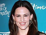 Jennifer Garner Wants Her Daughters in the Kitchen