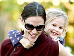 Jen Garner Takes Violet out for the Day | Jennifer Garner