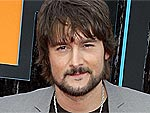 Country Star Eric Church Drinks with His Fans