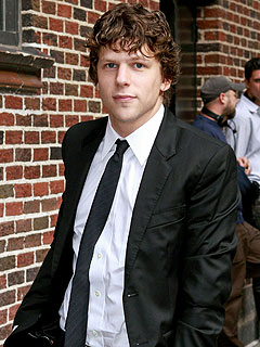 Jesse Eisenberg Feels Like He's Doesn't Really Belong at the Oscars