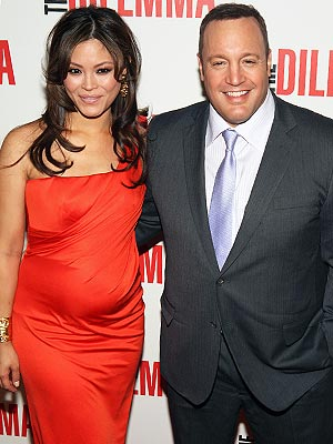 Pregnant Steffiana de la Cruz showing her big bumps together with husband Kevin James