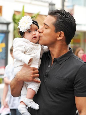 Babies Mario Lopez s Kids Will Be Jealous of His Pic. - Us Weekly Pictures of mario lopez new baby