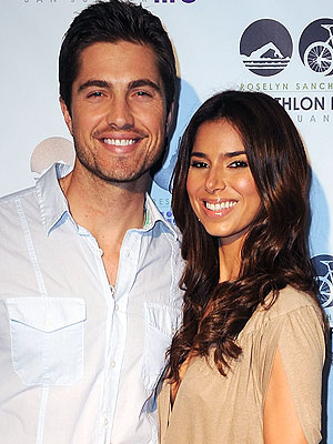 Roselyn S&#225;nchez, Eric Winter Expecting a Baby