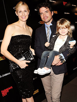 Spotted: Matthew Settle and His Gossip Girls – Moms ... Naama Nativ