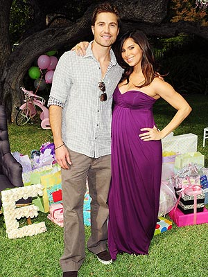 Eric Winter and Roselyn Sanchez Baby