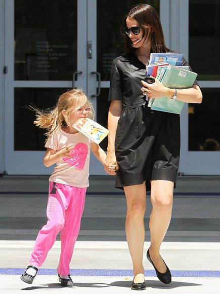 READY, SET, BOOKMARK! photo | Jennifer Garner