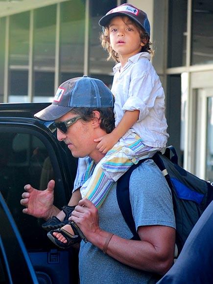 CAP SIZE  photo   Matthew McConaughey