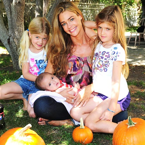 CUTE FACTOR  photo | Denise Richards