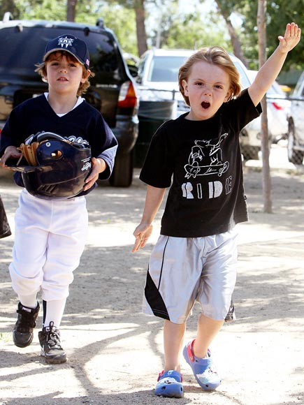 JAYDEN & SEAN PRESTON FEDERLINE  photo | Kevin Federline